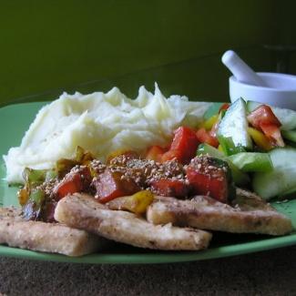 Tofu plátky s barevnou paprikou a sezamem,recept