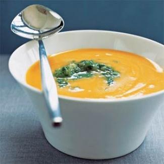 Mrkvová polévka s krůtím masem,recept