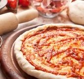 Červená omáčka na pizzu